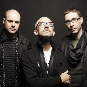 Above and Beyond boeken
